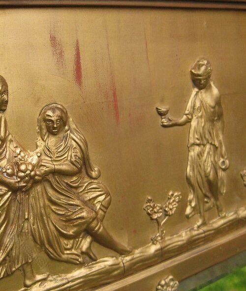 Cybele golden mirror