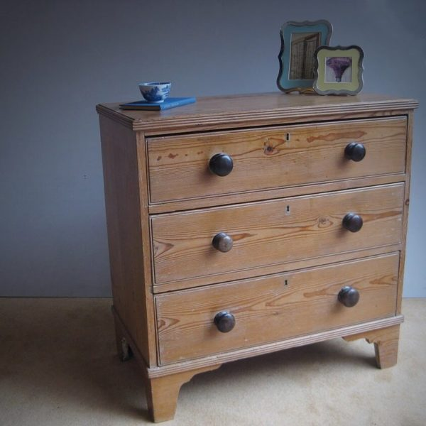 Work house chest of drawers