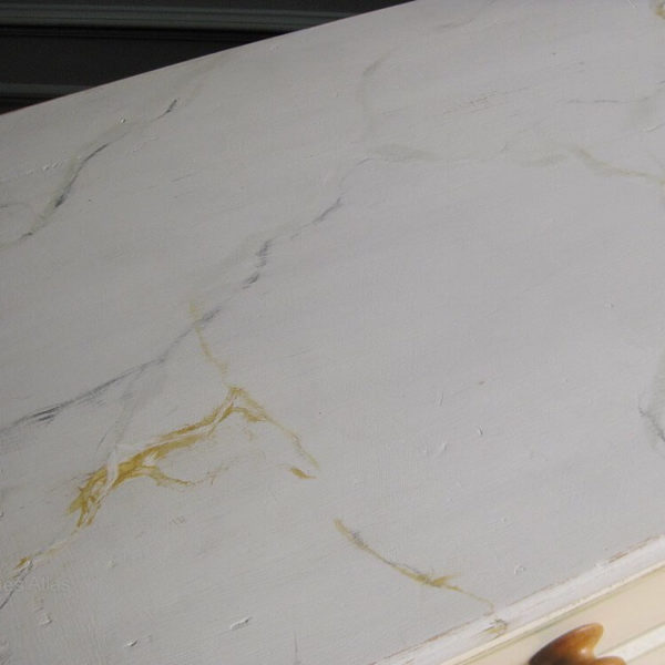 faux marble to victorian chest of drawers